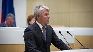 Входе «правительственного часа» вСФ выступил Министр спорта РФ П.Колобков