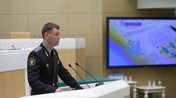 Врамках «Правительственного часа» вСФ выступил директор Федеральной службы судебных приставов Д.Аристов