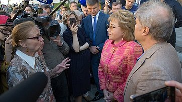 В. Матвиенко встретилась спротивниками реновации
