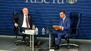 Андрей Клишас подвел итоги работы Комитета Совета Федерации поконституционному законодательству игосударственному строительству ввесеннюю сессию впресс-центре «Парламентской газеты»
