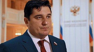 Знакомьтесь, сенатор Алексей Коротков