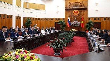 В. Матвиенко провела встречу сПремьер-министром Вьетнама Нгуеном Суан Фуком