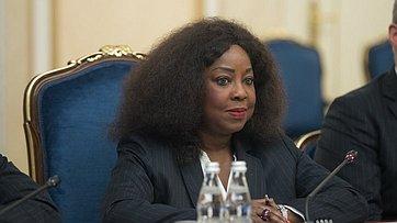 В. Матвиенко провела встречу сгенеральным секретарем Международной федерации футбольных ассоциаций (FIFA) Ф.Самурой