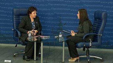 Елена Бибикова приняла участие вбрифинге потеме «Как изменятся нормы индексации пенсий в2018году?» впресс-центре «Парламентской газеты»