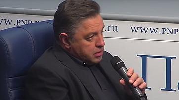 Вячеслав Тимченко принял участие ввидеобрифинге впресс-центре «Парламентской газеты»