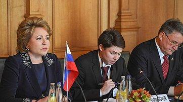Швейцария поддерживает необходимость сохранения межпарламентского диалога сРоссией— В.Матвиенко