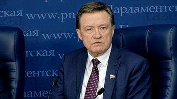Сергей Рябухин стал участником круглого стола натему «Как закон облегчит гражданам обслуживание ипотечного кредита?» впресс-центре «Парламентской газеты»