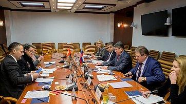 Ю. Воробьев провел встречу сПослом Швейцарии вРоссии