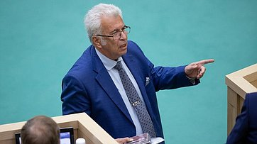 Входе «Времени эксперта» вСФ выступил академик Российской академии образования Е.Ямбург