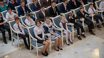 Церемония награждения участников VI Всероссийского гражданско-патриотического проекта «Дети-герои». Запись трансляции от1ноября 2019года