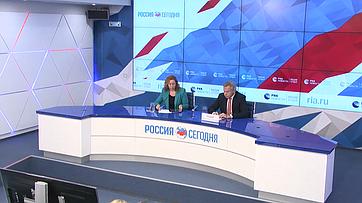 Алексей Пушков провел брифинг для журналистов вмеждународном мультимедийном пресс-центре МИА «Россия сегодня»