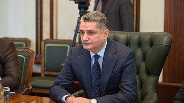 Встреча В. Матвиенко сПредседателем Коллегии Евразийской экономической комиссии Т.Саркисяном