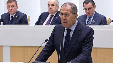 Министр иностранных дел России С.Лавров выступил перед сенаторами на471-м заседании Совета Федерации