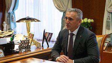 Встреча В. Матвиенко сгубернатором Тюменской области А.Моором