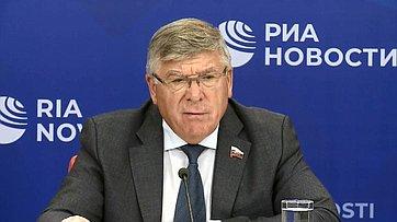 Валерий Рязанский провел брифинг, посвященный итогам работы Комитета Совета Федерации посоциальной политике ввесеннюю сессию, впресс-центре МИА «Россия сегодня»