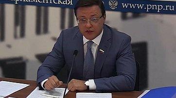 Дмитрий Азаров подвел итоги работы Комитета в весеннюю сессию в пресс-центре «Парламентской газеты»