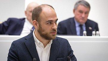 Входе «Времени эксперта» вСФ выступил генеральный директор компании «Генотек» В.Ильинский