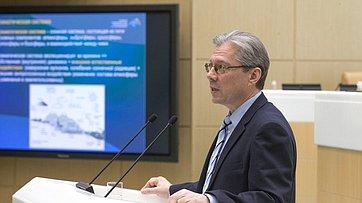 Входе «Времени эксперта» вСФ выступил директор Главной геофизической обсерватории им. А.И. Воейкова В. Катцов