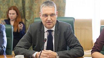 К.Косачев встретился c главой представительства Европейского союза вРоссии М.Эдерером