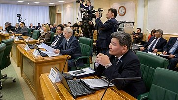 Расширенное заседание Комитета СФ побюджету ифинансовым рынкам. Запись трансляции от13декабря 2017г