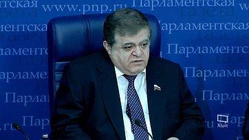 Владимир Джабаров принял участие вработе «круглого стола» потеме «Выборы вМолдове: каких итогов ждать?» впресс-центре «Парламентской газеты»