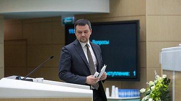 Заместитель Председателя Правительства РФ М.Акимов на448-м заседании Совета Федерации