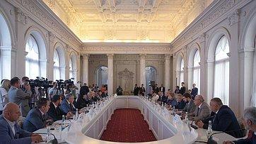 Встреча В. Матвиенко слидерами национально-культурных общественных организаций ирелигиозных объединений Республики Крым