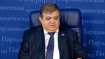 Владимир Джабаров принял участие вработе «круглого стола» потеме «Юбилейный саммит НАТО вЛондоне. Итоги» впресс-центре «Парламентской газеты»